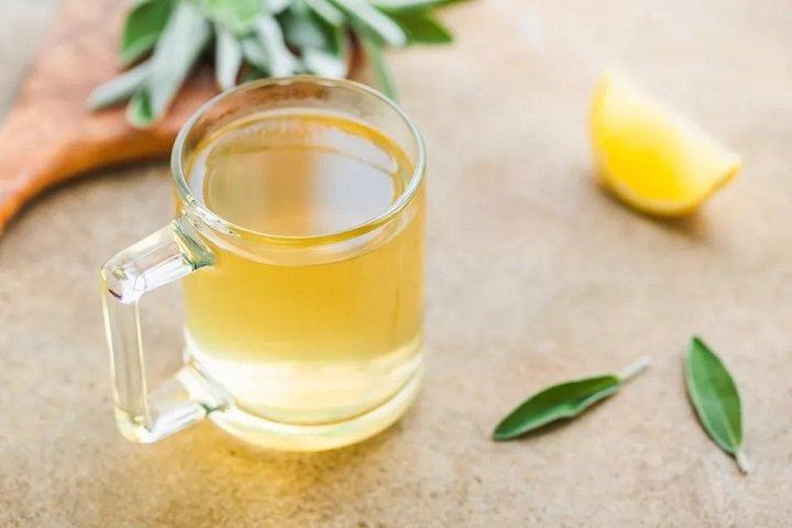 Чай из шалфея с лимоном