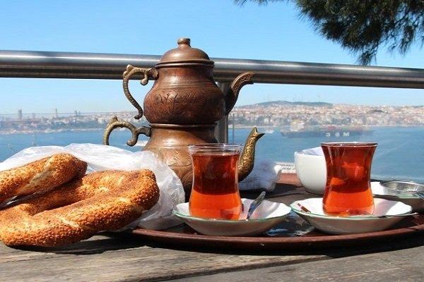 Два стаканчика с чаем